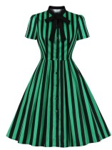 Vestito da pattinatore vintage a righe larghe estivo