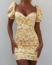 Mini vestido fruncido vintage floral con mangas de soplo