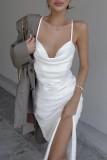 Vestido midi con tirantes elegantes y tirantes blancos de verano