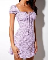 Vestido de verano cuadrado con estampado de verano