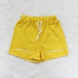 Conjunto de pantalones cortos de motorista rasgado de dos piezas con estampado de verano