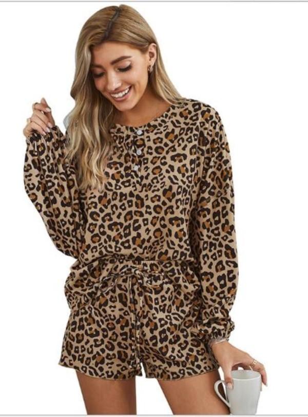 Conjunto de pijama de dos piezas con estampado de leopardo de Falls