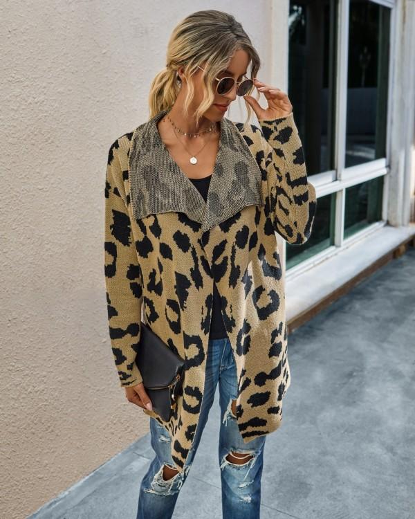 Cazadoras de cuello de leopardo caídas irregulares leopardo