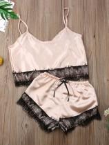 Conjunto de pijama de dos piezas de satén de verano con adornos de encaje