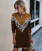 Robe pull col rond contrastant d'automne