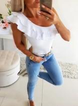Camisa blanca con volantes y cuello redondo de verano