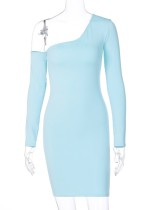 Einfarbiges Ein-Schulter-Minikleid