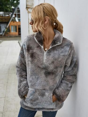 Haut pull en peluche effet tie-dye à poche d'automne