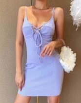 Mini vestido morado con tirantes y cordones sexy