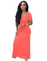 Простое платье с короткими рукавами и круглым вырезом с длинным рукавом