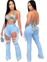 Hellblaue, ausgeschnittene Jeans mit hoher Taille