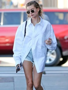 Осенняя белая свободная длинная блуза с короткими рукавами