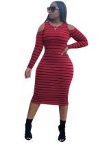 Gestreepte midi-jurk met uitgesneden schouders en volle mouwen