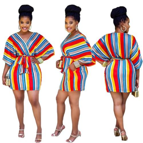 Abito africano con scollo a V a righe colorate con cintura