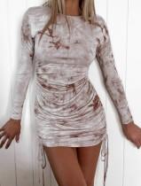 Mini robe froncée à manches longues et tie-dye d'automne