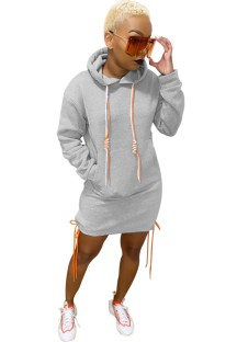 Vestido de capuz com manga comprida de cor sólida
