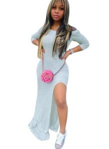 Осеннее однотонное длинное платье с открытыми плечами и разрезом