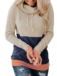 Осенняя контрастная водолазка-пуловер стандартного размера