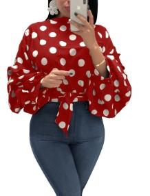 Осенняя рубашка с завязками в горошек и рукавами с короткими рукавами