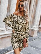 Minivestido envuelto con estampado de leopardo de otoño y mangas completas