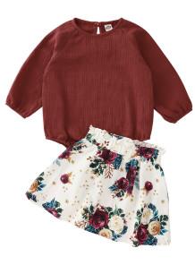 Conjunto de camisa infantil e saia floral de outono