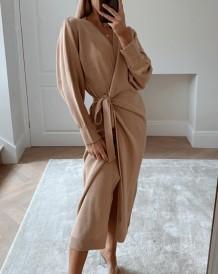 Элегантное однотонное однотонное вязаное длинное платье с запахом в западном стиле
