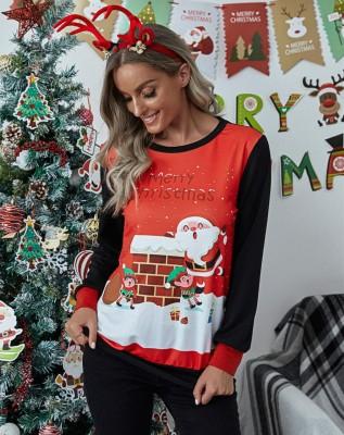 Camisa feminina com estampa de natal contrastante decote redondo