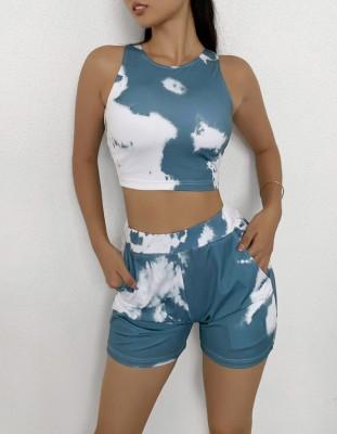 Conjunto de shorts e top decotado de verão tie dye