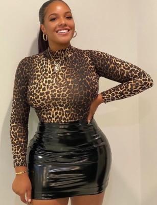 Minijupe sexy taille haute en cuir noire