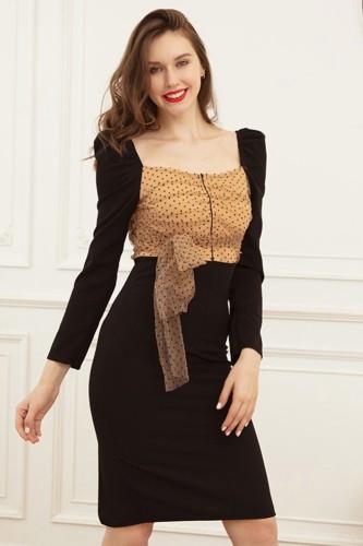 Vestido de festa preto elegante com estampa de outono