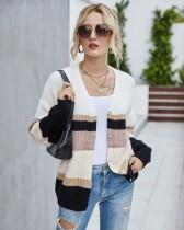 Abrigo suéter regular con botones a rayas anchas de otoño