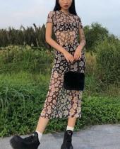 Sommerblumendruck Durchsichtiges langes kurviges Kleid