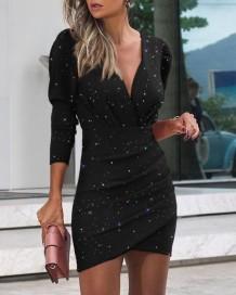 Mini vestido preto com franzido embrulhado para festa de outono