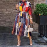 Herbstliches afrikanisches buntes elegantes langes Kleid