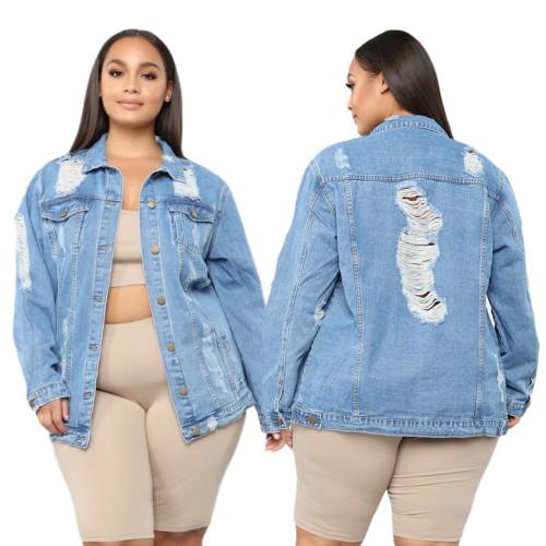 Giacca di jeans blu strappata con bottoni autunnali