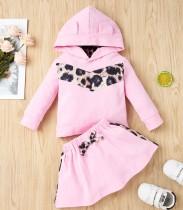 Set camicia e gonna con cappuccio rosa con stampa autunnale per bambina