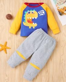 Conjunto de pantalones y camisa con estampado de dibujos animados de otoño para niños
