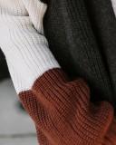 Lange Strickjacken mit Kontrasttaschen im Winter