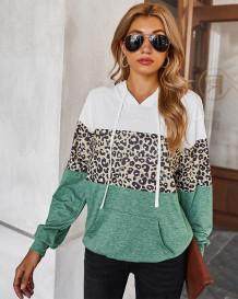 Camisa de capuz com estampa de leopardo de contraste de outono