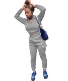 Haut court de couleur unie d'automne et pantalon de survêtement à poches