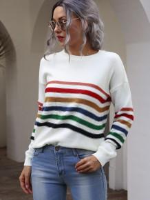 Maglione pullover a righe girocollo autunnale