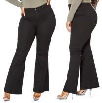 Jeans neri a vita alta con fondo a campana alla moda taglie forti