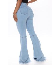 Jeans de cintura alta con fondo de campana con estilo de otoño