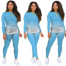 Camicia e pantaloni con sfumatura abbinata casual autunnale