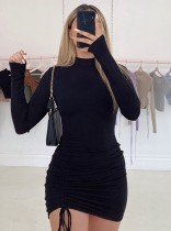 Mini-robe décontractée noire à cordons froncés d'automne