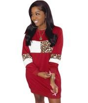 Vestido casual de otoño con cuello redondo y estampado de leopardo en contraste
