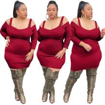 Осеннее красное облегающее платье с вязанными бретелями больших размеров