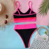 Zweiteilige Badebekleidung mit sportlicher Kontrastfarbe und hoher Taille