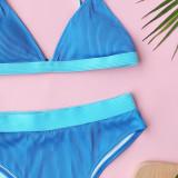 Zweiteilige Badebekleidung in blauer Kontrastfarbe mit hoher Taille