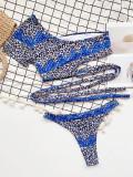 Zweiteilige Badebekleidung in Leopardenblau mit einer Schulter